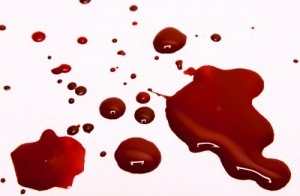 Ngủ nằm mơ thấy máu là điềm gì & Chiêm bao mơ thấy máu đánh con gì